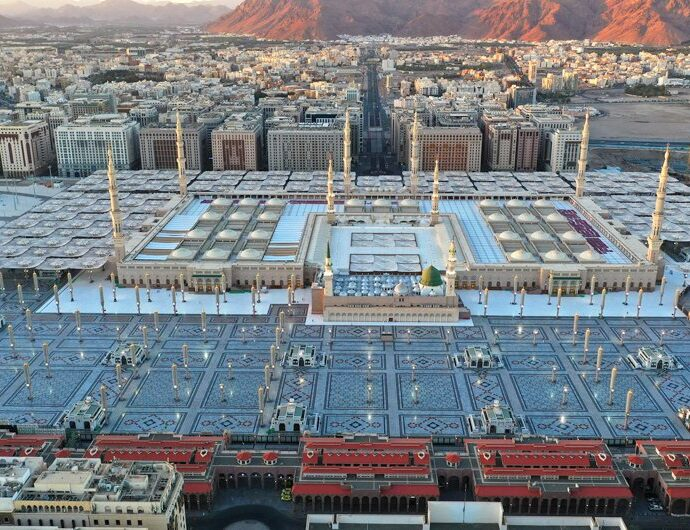 Saudi Arabia: Vaccine required to enter Prophet's Mosque, permit needed for Umrah