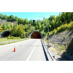 Telefnica promotes the smart road with the deployment of 5G coverage and sensorisation in the Cereixal tunnel to assist driving