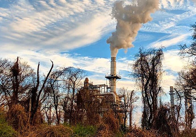 Valero Memphis Refinery. Photo credit: Eric Allix Rogers/Flickr