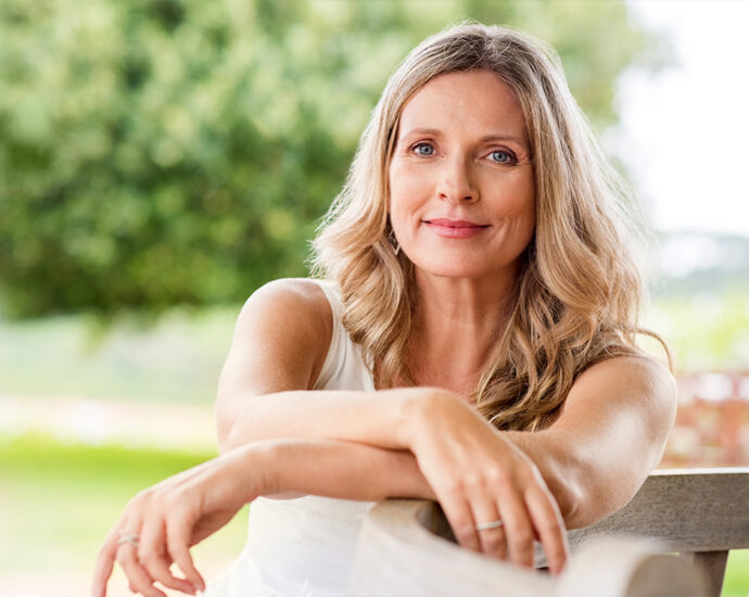 Plastic Surgeons Say This Is the Summer of 40-Something-Year-Olds Getting Facelifts featured image