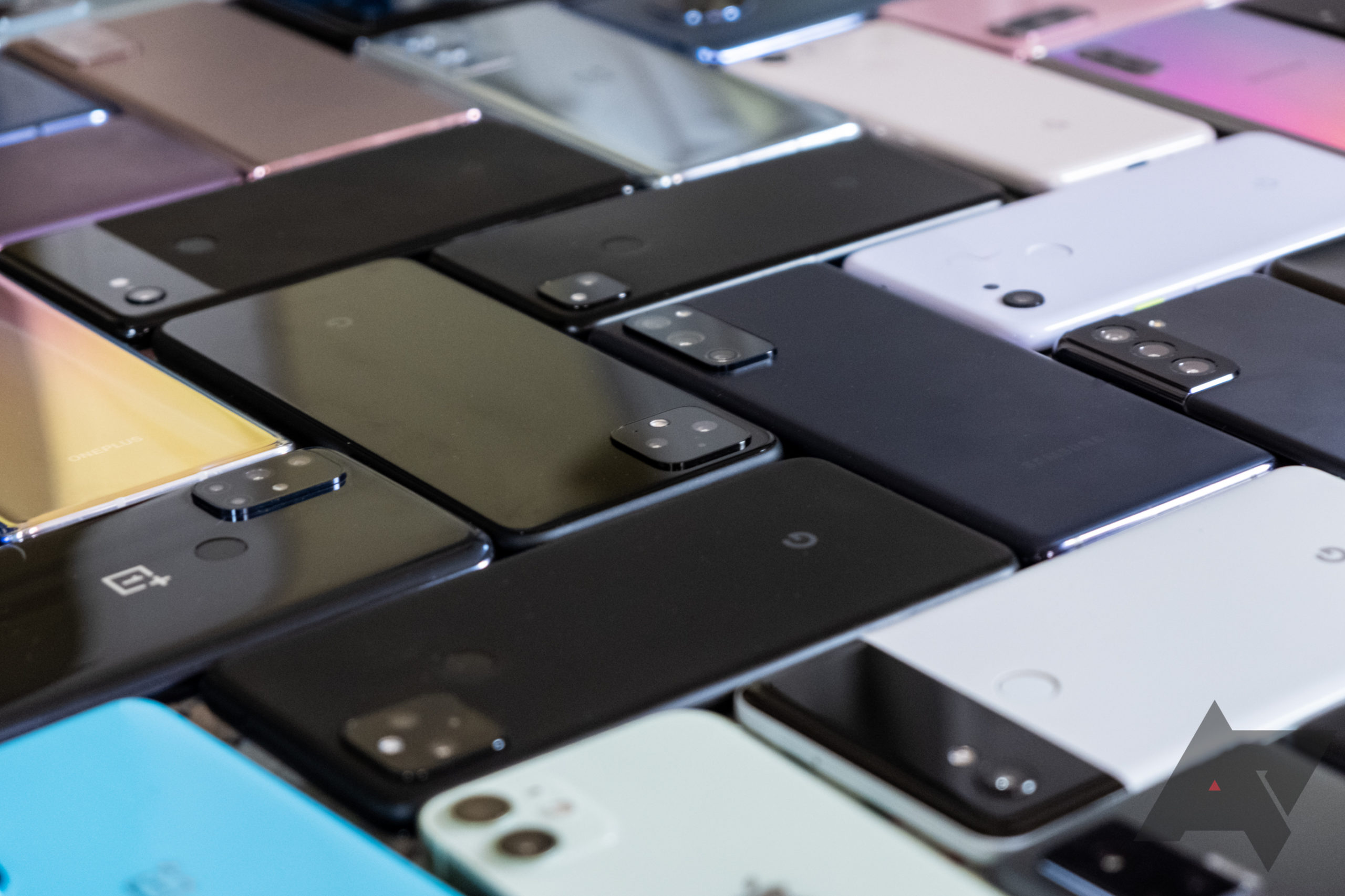 Why are Android phones plastic-metal-glass boringburgers when there's a world of premium materials to play with?