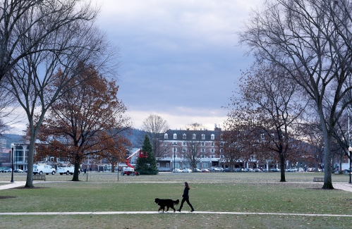 At Dartmouth, an environment of wealth not eliminated by scholarships
