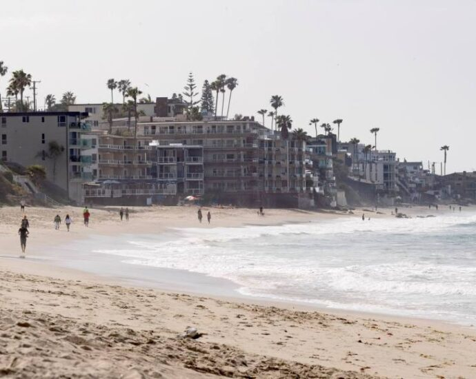 Ban on plastics use at beaches and parks in Laguna Beach is now in effect – Orange County Register