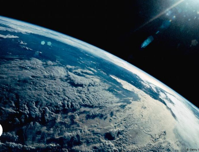 Earth Overshoot Day moves forward by nearly a month   Environment  All topics from climate change to conservation   DW