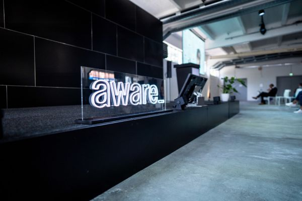 Porsche supports sustainability platform - Forward31 develops new business with Berlin-based start-up aware