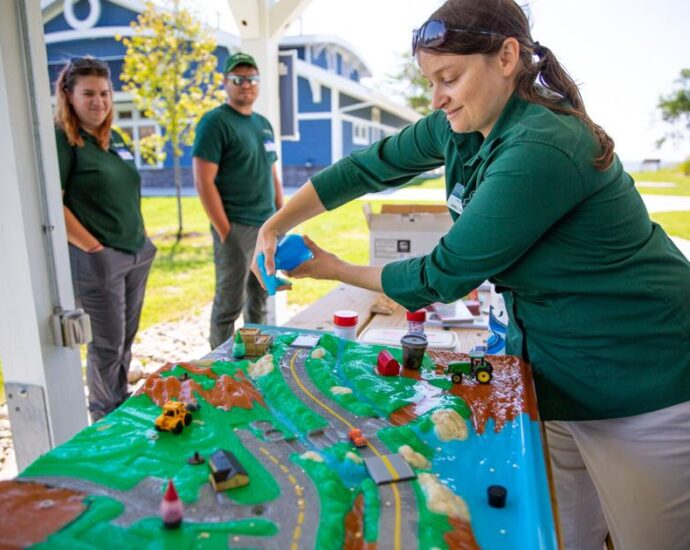 Teaching the teachers: Workshop held to inspire environmental learning, stewardship at Southwick Beach | Education