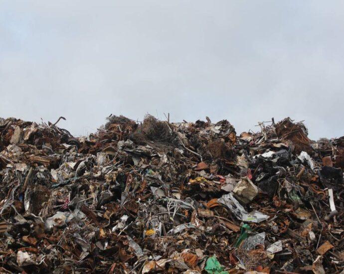 The world's biggest fashion brands remain reliant on plastics
