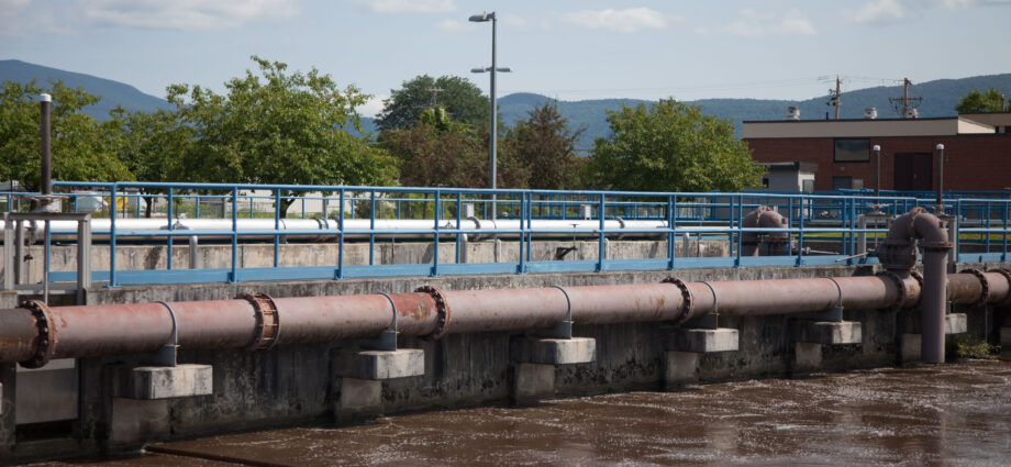 Environmental groups oppose permit for Rutland County sewer plants