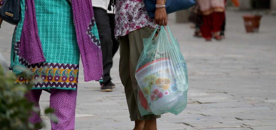 Government reintroduces ban on plastic bags, but implementation remains doubtful