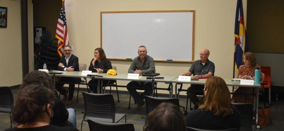 Employee retention, school environment take forefront of Garfield Re-2 candidate discussion